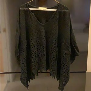 One size fits all flowy knit top
